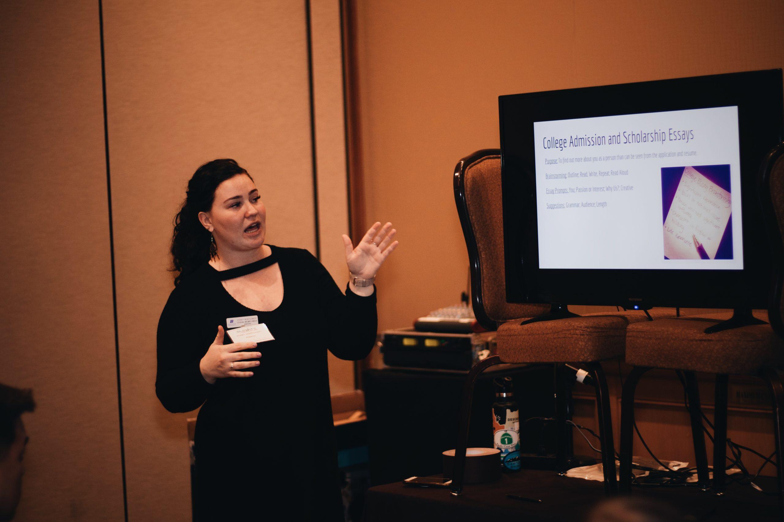 Volunteer Presenting a Workshop to Washington FBLA members